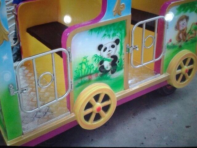 аттракцион паровозик, безрельсовый поезд